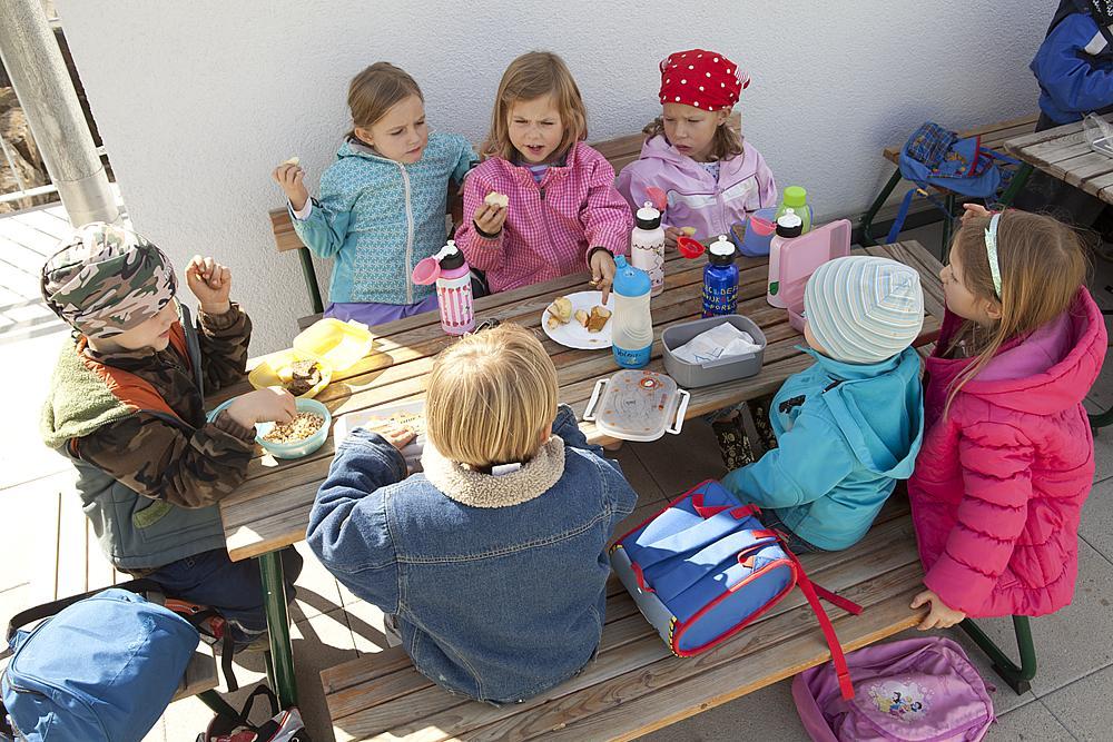 playo_Banco_para_niños_con_respaldo_Sederli_midi_02