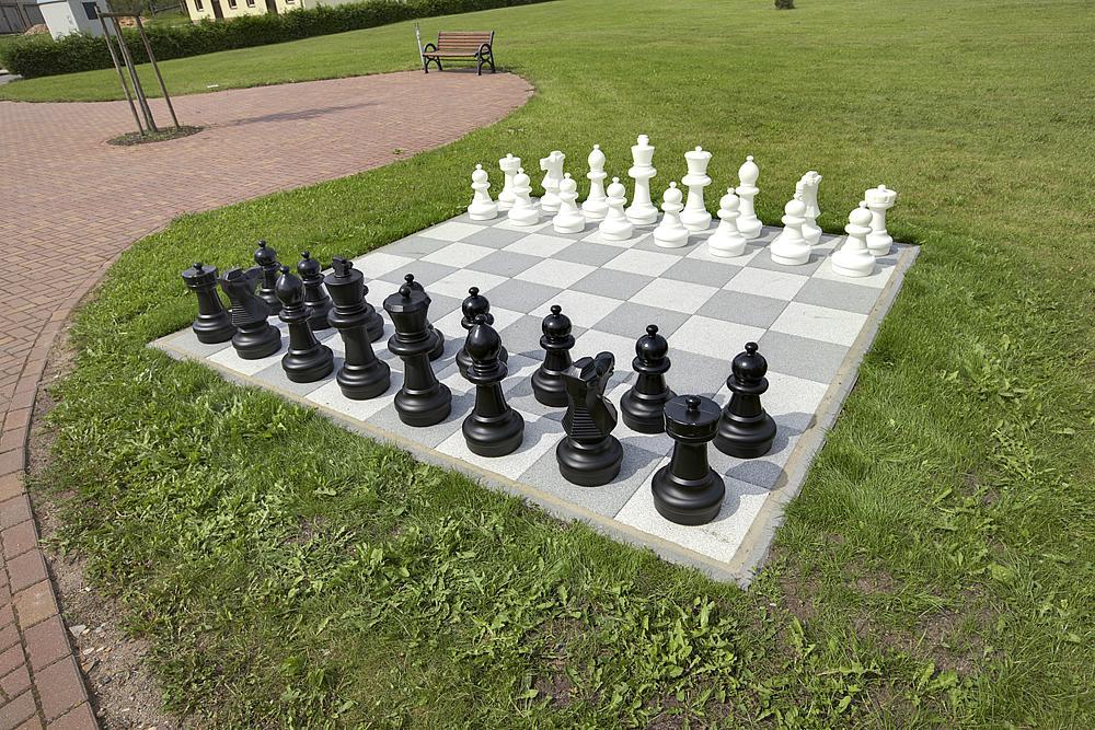 Figuras_de_ajedrez_para_aire_libre