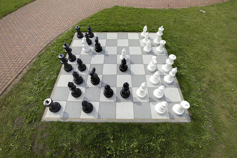Figuras_de_ajedrez_para_aire_libre_01