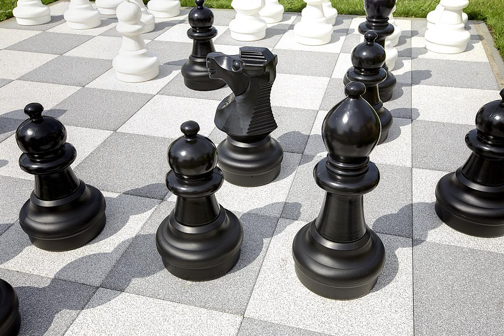 Figuras_de_ajedrez_para_aire_libre_02
